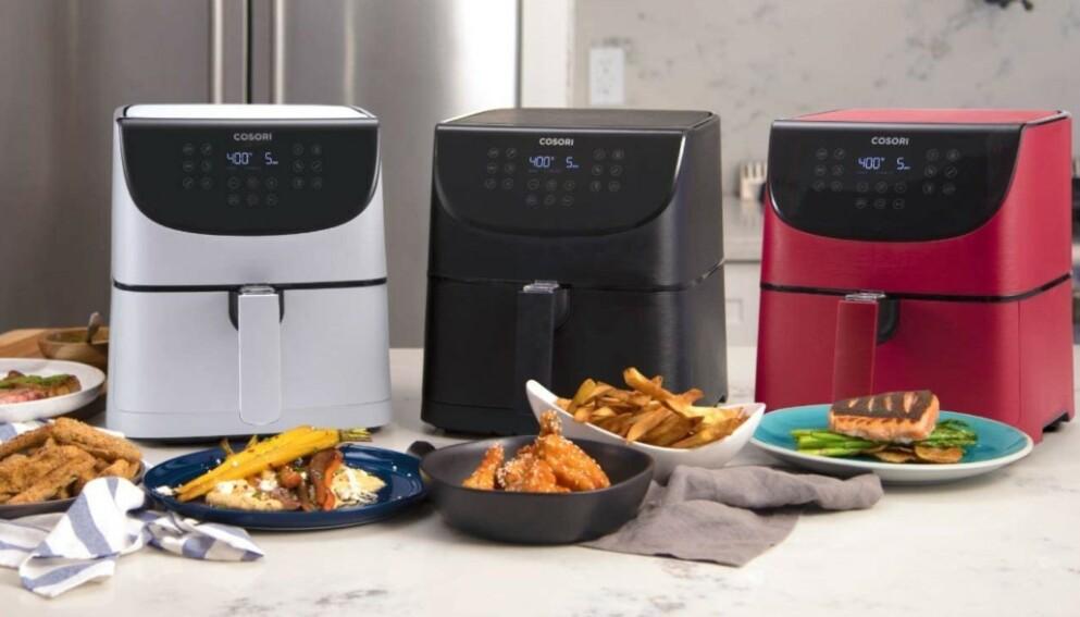 Luftfrityrkokerne fra Cosori kommer i flere ulike farger og har 11 forhåndsinnstillinger: biff, kylling, sjømat, reker, bacon, frossen mat, pommes frites, grønnsaker, rotgrønnsaker, brød og desserter.