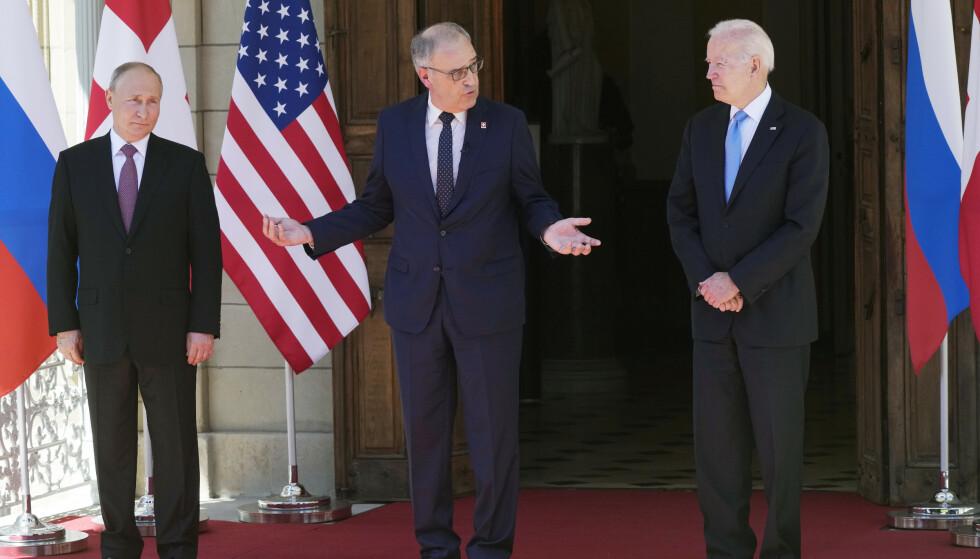 KLAR BESKJED: Den sveitsiske presidenten ønsket de to presidentene en produktiv dialog for Russlands, USAs og verdens skyld. Foto: AP Photo/Alexander Zemlianichenko / NTB