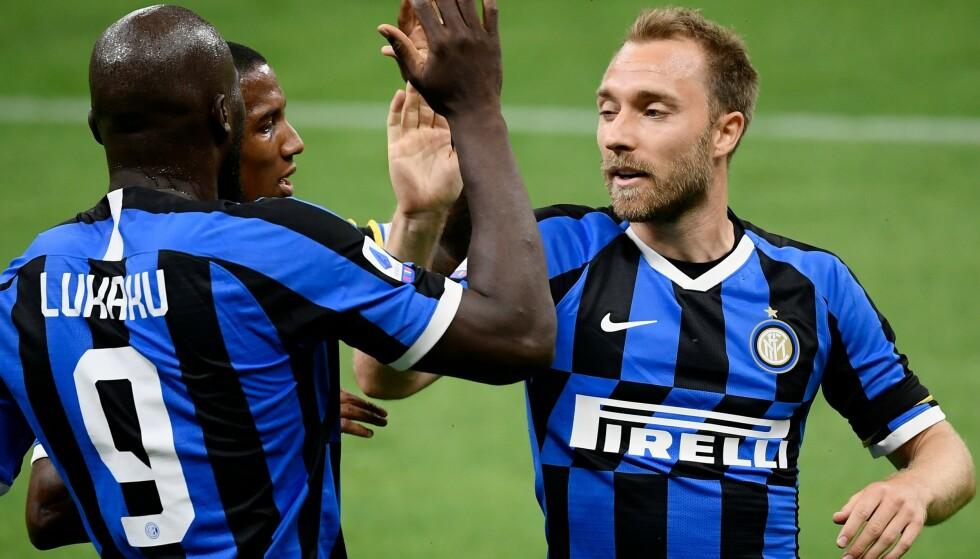 GODE VENNER: Romelu Lukaku og Christian Eriksen spiller begge i Inter. Foto: Filippo MONTEFORTE / AFP