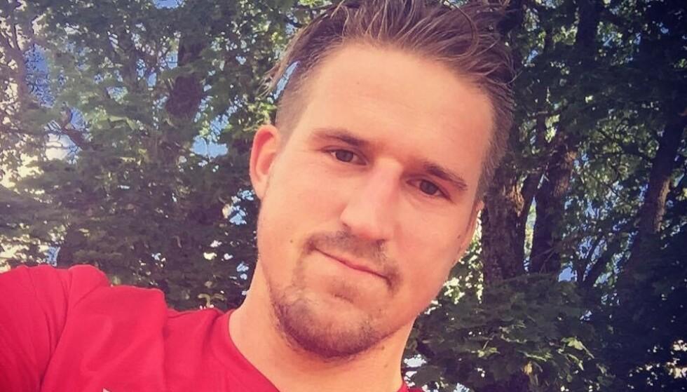 HJERTESTANS TO GANGER: Morten Granhaug har fått livet redda to ganger. Første gang av hjerte- og lungeredning. Andre gang med en hjertestarter. Foto: privat