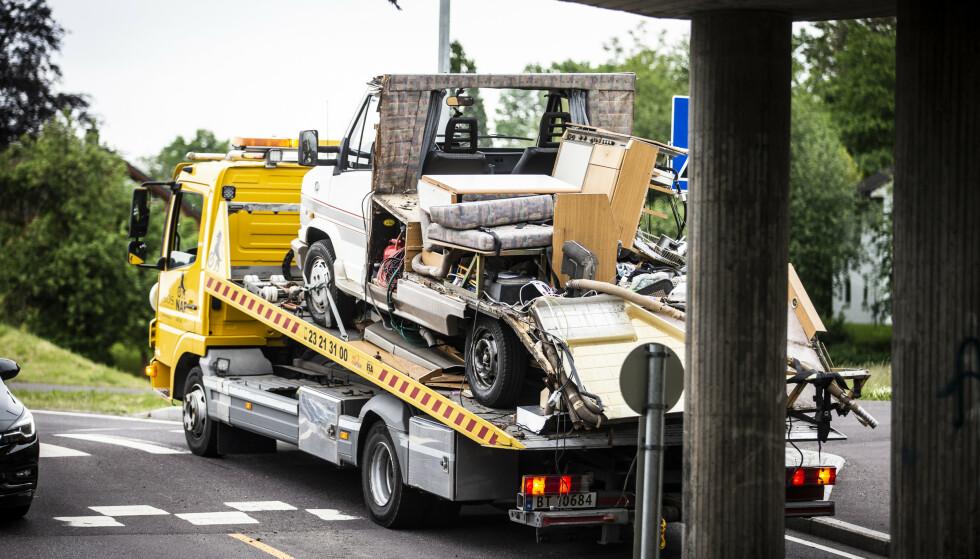 TAKET BORTE: Slik så bobilen ut etter ulykken. Foto: Trond R. Teigen