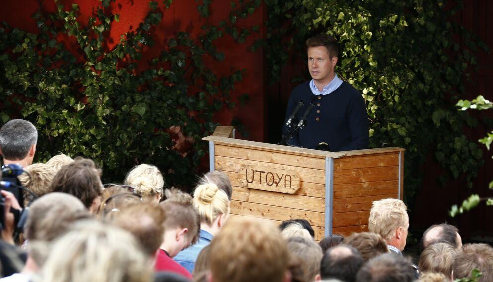 TOK ØYA TILBAKE: AUF og Utøya AS har gjort en viktig jobbe med å gjenoppbygge Utøya. Her AUF-leder Eskil Pedersen taler under minnemarkeringen på Utøya 22. juli 2012. Foto: Heiko Junge / NTB