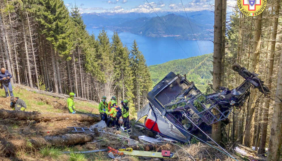 TRAGISK ULYKKE: 14 personer døde etter at en taubanevogn løsnet i Italia i slutten av mai. Foto: Soccorso Alpino e Speleologico Piemontese / AP / NTB
