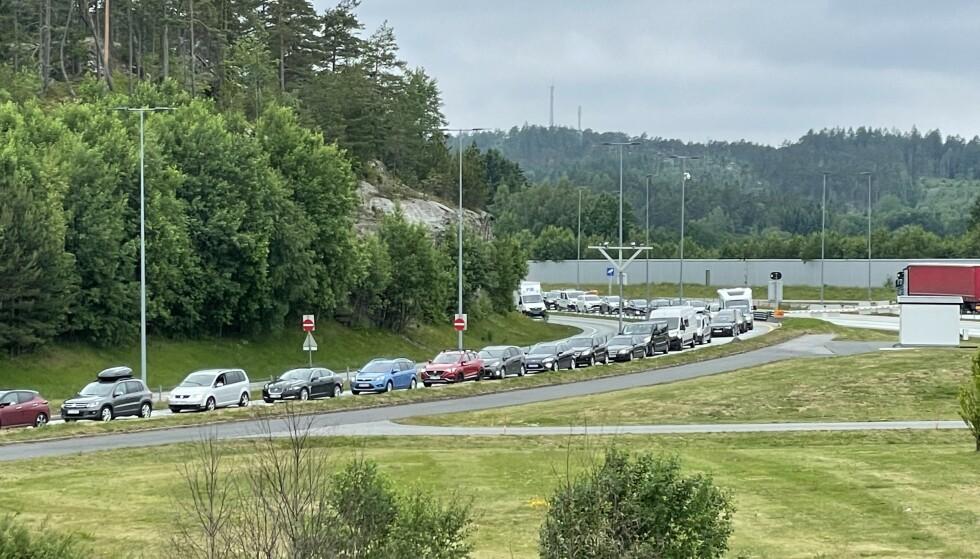 KØ: Har du tenkt deg inn i Norge via Svinesund må du forvente lange køer. Foto: Bjørge Dahle Johansen / Dagbladet