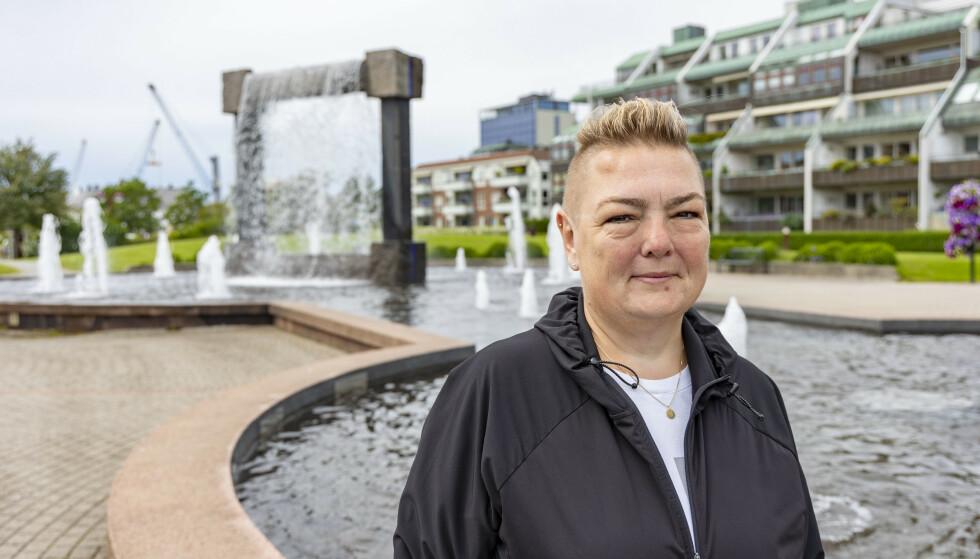 RAMMET: Bettina Søby Andersen (51) er både pasient og forbundsleder i sitt distrikt, og forteller hvordan hun lever et bedre liv i dag med sykdommen. Foto: Tor Erik Schrøder
