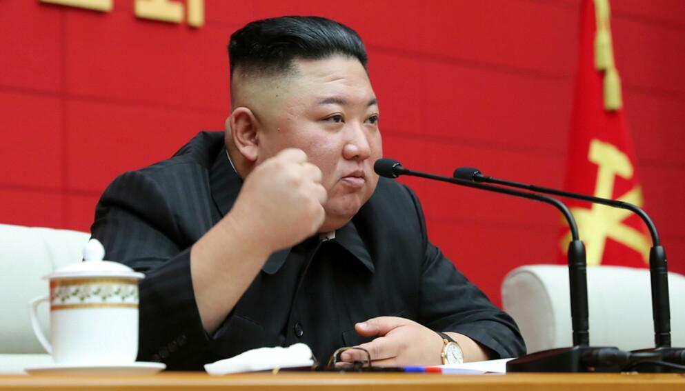 TAR GREP: Kim Jong-un ytret denne uka bekymring over Nord-Koreas matsituasjon. Foto: Reuters / NTB