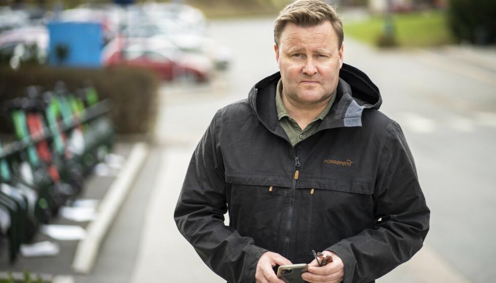 Assisterende helsedirektør Espen Nakstad mener det er bra at smitten går nedover. Likevel er han litt bekymret for at smitten kommer til å øke når folk begyner å dra ut. Foto: Ole Berg-Rusten / NTB
