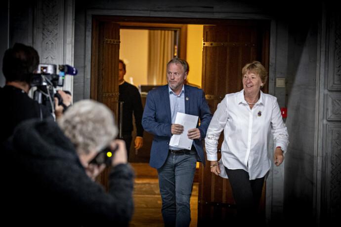 KOMMER OG GÅR: Raymond Johansen har nettopp trukket seg som byrådsleder. Nå har Marianne Borgen (SV) bedt ham om å danne nytt byråd. Foto: Bjørn Langsem / Dagbladet