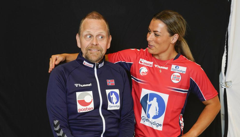STJERNE: Thoriri Hergeirsson sammen med Nora Mørk. Foto: Lise Åserud / NTB