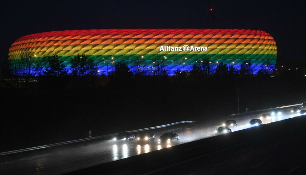 NEI: Dette får ikke tyskerne gjøre når Ungarn kommer til München og Allianz Arena onsdag. Foto: Andreas GEBERT / POOL / AFP /NTB