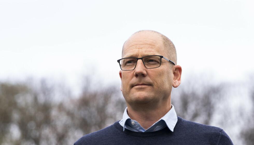SKAPER FORVIRRING: Leder i Utdanningsforbundet, Steffen Handal, jublet innledningsvis over at lærere skulle prioriteres i vaksinekøen, men mener at beslutningen nå skaper forvirring. Foto: Terje Pedersen / NTB
