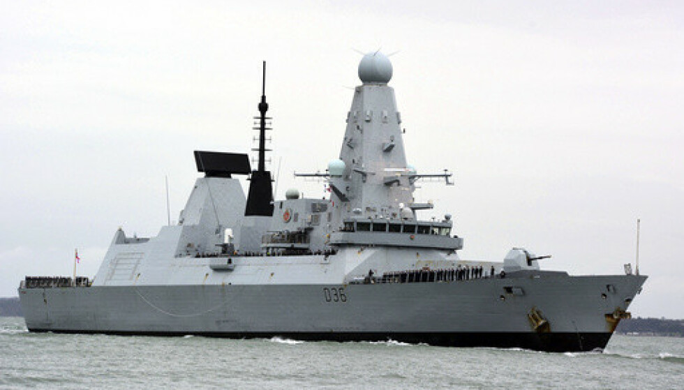 HVA SKJEDDE? HMS Defender har skapt splid mellom Russland og Storbritannia. De to landene er høyst uenige om skipets bevegelser i Svartehavet. Foto: Ben Mitchell / PA via AP / NTB