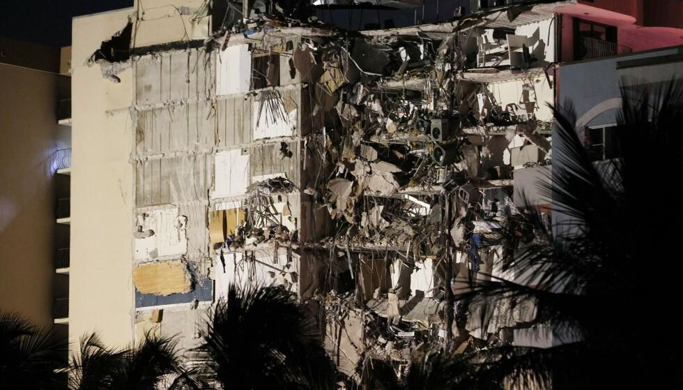 KOLLAPSET: Boligblokk-kollapsen har ført med seg massive ødeleggelser. Foto: Joe Raedle / Getty Images / AFP