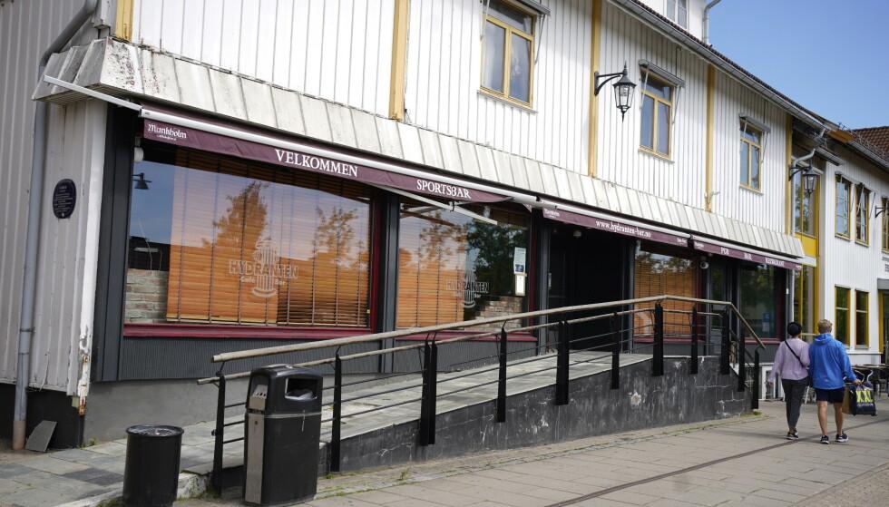 SMITTE: Flere personer som gjestet sportsbaren Hydranten på Jessheim lørdag 19. juni, har fått påvist coronaviruset. Foto Hans Arne Vedlog / Dagbladet