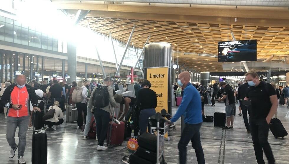 PÅGANG: Avinor har anbefalt reisende å planlegge god tid. Foto: Nina Hansen / Dagbladet