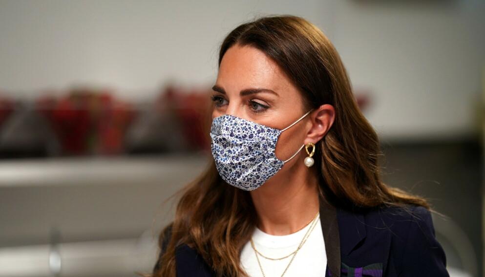 I ISOLASJON: Hertuginne Kate har vært i kontakt med person som har fått påvist coronaviruset, og må holde seg hjemme. Foto: Reuters / NTB