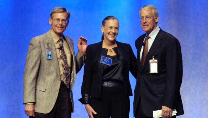 ARVINGER: Jim, Alice og Rob Walton sitter i dag med en gigantformue. Det har imidlertid kostet sitt. Foto: April L. Brown / AP Photo / NTB
