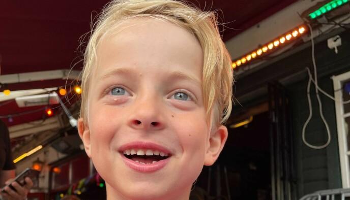 Geluk: Henry Jemne Sørensen (7 jaar) was erg blij toen hij maandagmiddag Erling Braut Haaland ontmoette.  Foto: privé