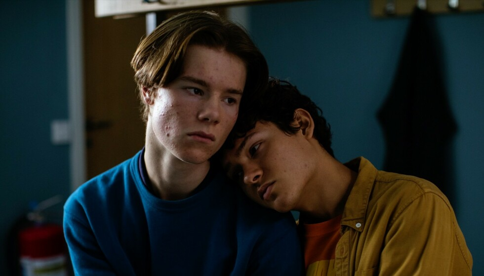 NORDISK SATSNING: Det svenske ungdomsdramaet «Young Royals» ble raskt en av Netflix sine mest sette serier etter premieren 1. juli i år. Serien følger den svenske prinsen Wilhelm (Edvin Ryding) i det han står overfor et tøffe valg mellom kjærligheten og ryktet til kongehuset. Foto: NTB