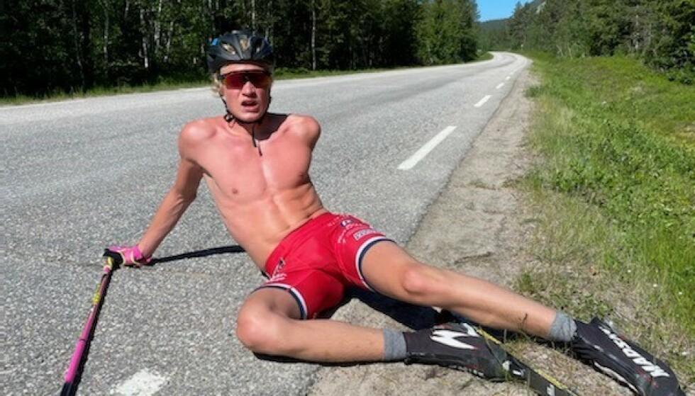 BEDRE I LANGRENN: Alvar Myhlback knuste Calle Halfvarsson med 50 sekunder under en løpskonkurranse i helga. Til tross for det mener hans far at han er langt bedre i langrenn. Foto: Privat.