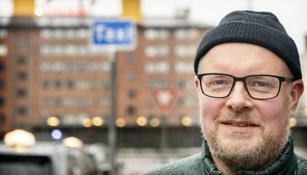 SAMME SPORET: «Radioresepsjonen»-programleder Steinar Sagen forteller Dagbladet at konseptet til deres nye podkast i Schibsted vil forbli relativt likt til høsten. Foto: Hans Arne Vedlog / Dagbladet