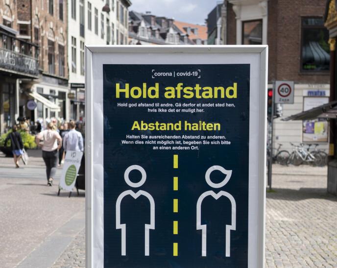 LETTE PÅ TILTAK: Den 10.juni ble de danske politikerne enige i å lette på smittevernstiltakene gradvis i perioden frem mot 1. september. Foto: Fredrik Hagen / NTB