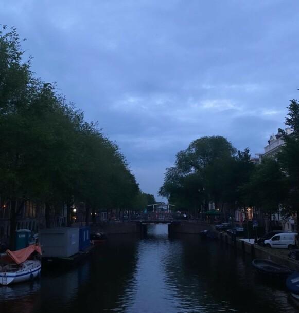 VENEZIA I NORD: Amsterdam blir ofte omtalt som nordens Venezia på grunn av sine mange kanaler. Foto: Instagram / arianagrande