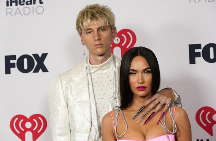 KJÆRESTER: «Machine Gun Kelly» og Megan Fox har vært et par siden sommeren 2020. Foto: Chris Pizzello / AP Photo / NTB