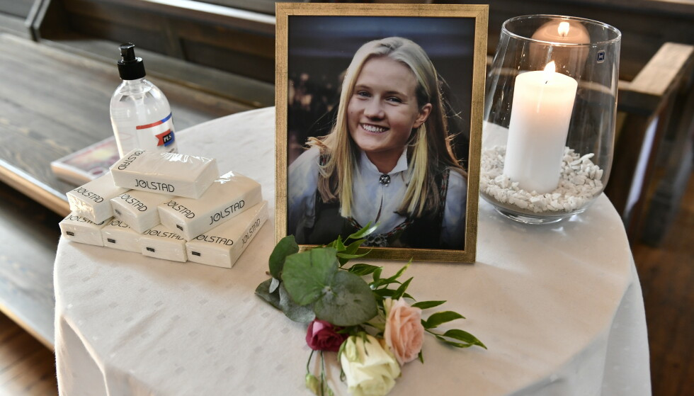 OMKOM: Benedicte Myrset (18) og søsteren bisettes fra Oslo bisettes torsdag fra Ris kirke. De døde da lynet slo ned på toppen av fjellet Melshornet i Hareid. Foto: Lars Eivind Bones / Dagbladet.