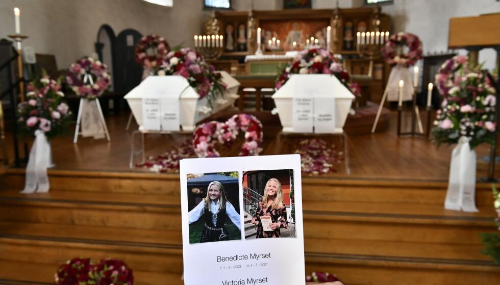 BEGRAVELSE: Søstrene Benedicte og Victoria Myrset bisettes torsdag fra Ris kirke. Foto: Lars Eivind Bones / Dagbladet.