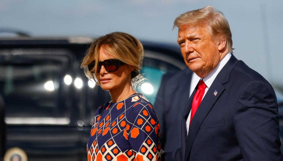 LONG TIME, NO SEE: Dette bildet fra 20. januar er det siste glimtet av Melania Trump før hun trakk seg tilbake. Tirsdag 6. juli var hun å se på gata i New York. Foto: Carlos Barria / Reuters / NTB