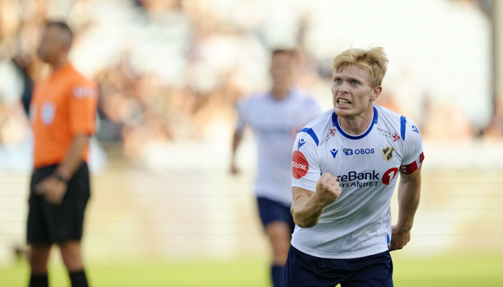 LEKKERT MÅL: Oliver Edvardsen scoret et nydelig mål ti minutter før pause. FOTO: NTB