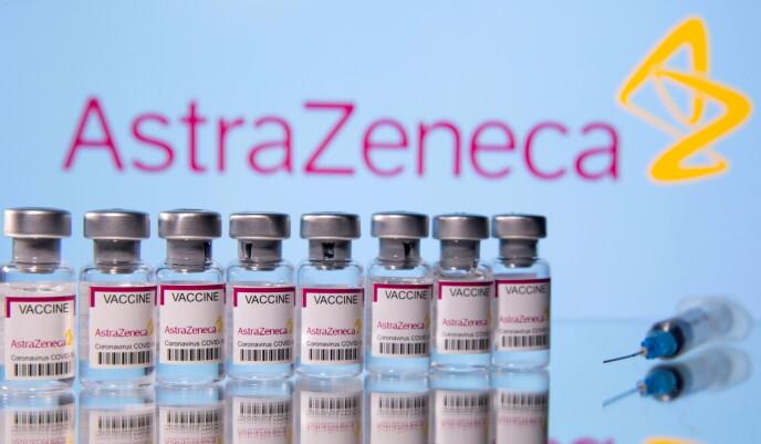 VAKSINE: I mai ble det bestemt at AstraZeneca-vaksinen ikke lenger skulle brukes i Norge. Foto: Dado Ruvic / Reuters