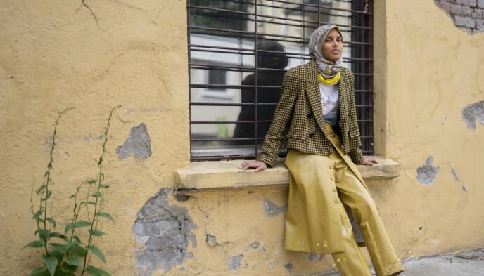 POSITIV ENDRING: Den kommende Vogue-moteredaktøren Rawdah Mohamed mener motebransjen har skapt mye utenforskap og er glad for å se større mangfold i bransjen. Foto: Fredrik Hagen / Dagbladet