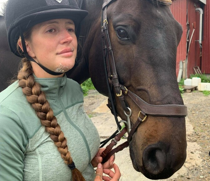 UREDD: Redselen for hesten gikk bort bare dager etter hun kom hjem fra sykehuset. Foto: Privat
