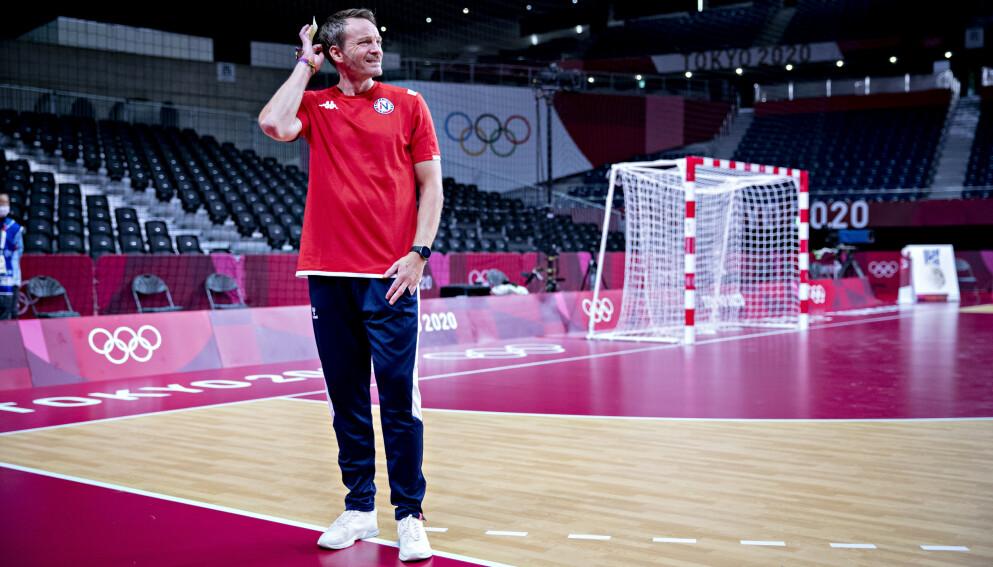 SURT: Landslagstrener Christian Berge fortvilte etter tapet mot Spania. Foto: Bjørn Langsem / Dagbladet