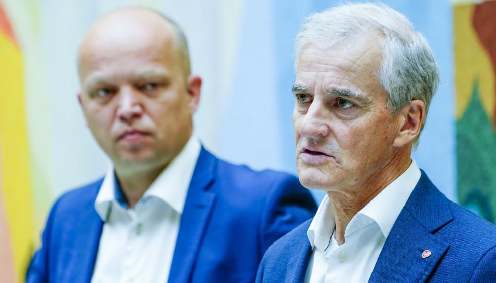 BORGFRED: Jonas Gahr Støre og Trygve Slagsvold Vedum snakker sammen daglig nå, for å unngå misforståelser og sur stemning i valgkampen. Foto: Terje Pedersen / NTB