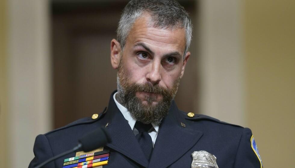 - HELVETE: Politibetjent Michael Fanone beskriver Kongress-stormingen som er helvete. Foto: AP / NTB