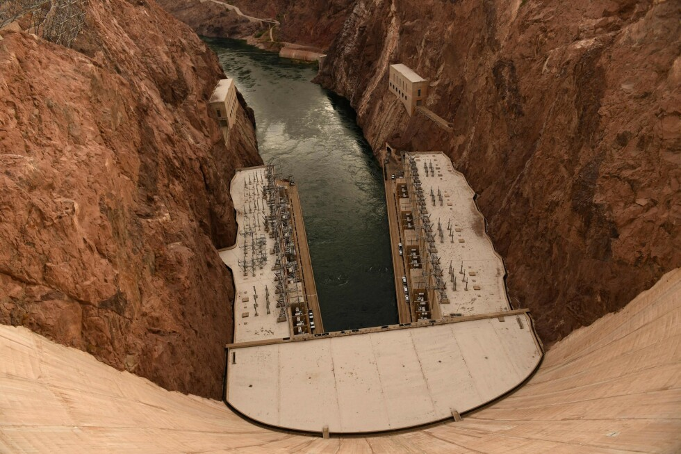 TOPPEN: Lake Mead ligger nedenfor demningen Hoover Dam. Foto: NTB