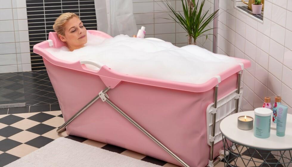 Coolstuff selger også sammenleggbare badekar. Disse kommer i mange ulike farger.