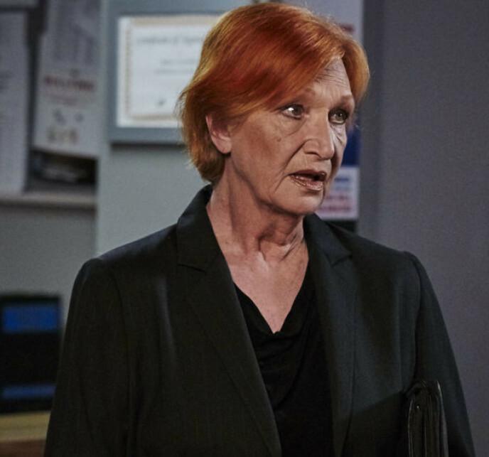 DØD: Skuespiller Cornelia Frances, kjent fra tv-serien «Home and Away», døde i 2018. Hun ble 77 år gammel. Foto: TV2
