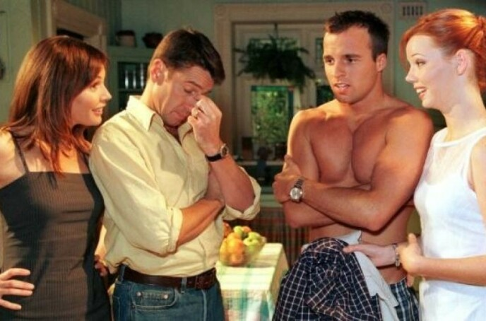 MANGE ÅR: Ben Unwin (nummer to fra høyre) spilte i den australske serien fra 1996 - 2005. Foto: Foto: Seven Network / TV 2