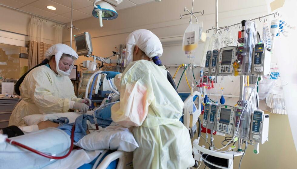 INTENSIVEN: Helsearbeidere på intensivavdelingen i Intermountain Medical Center i Utah, USA, som har behandlet et stort antall deltasmittede i juli. Foto: Intermountain Health / Reuters / NTB