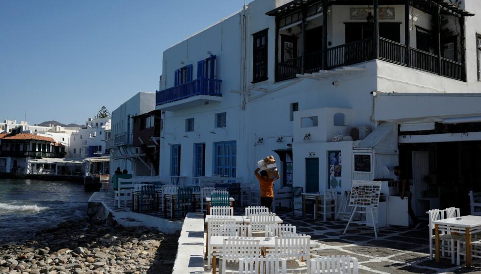 INTERDICTION DE PORTE: Une semaine avec une interdiction de porte et une interdiction de musique a été introduite pour les bars et les restaurants à Mykonos au début du mois.  Photo : Reuters/NTB