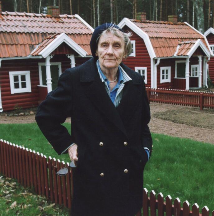 ANERKJENT: Bøkene til Astrid Lindgren er solgt i over 100 millioner eksemplarer på verdensbasis, og de er blitt oversatt til nærmere 90 språk i 100 land. Her er hun avbildet i 1999. Foto: NTB