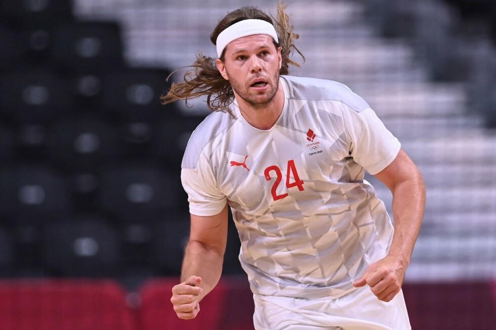 LEDER AN: Mikkel Hansen og Danmark har vunnet fem av fem oppgjør i Danmark. Det ser ut som de blir Norges motstander i kvartfinalen. Foto: NTB Scanpix
