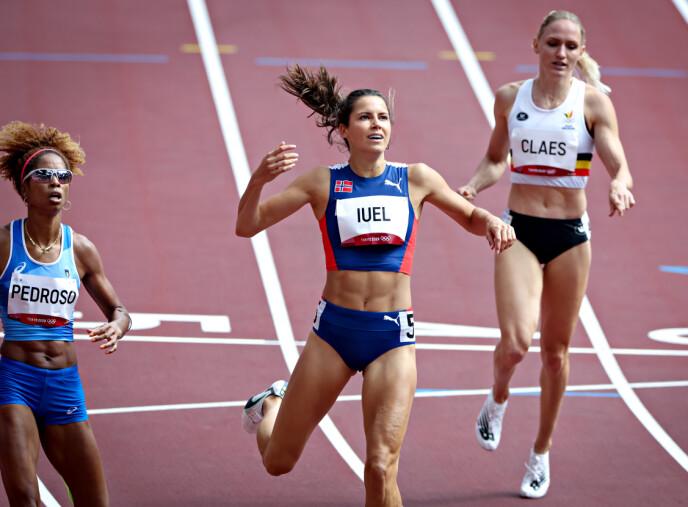 VIDERE MED ET NØDSKRIK: Amalie Iuel kom seg til semifinalen på tid.