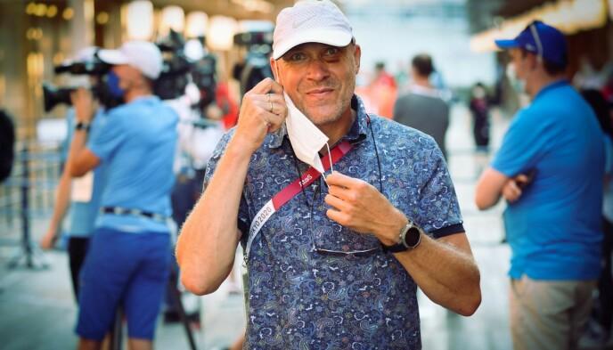 PÅ PLASS I TOKYO: Vebjørn Rodal kommenterer friidrett på NRK radio sammen med Jann Post.