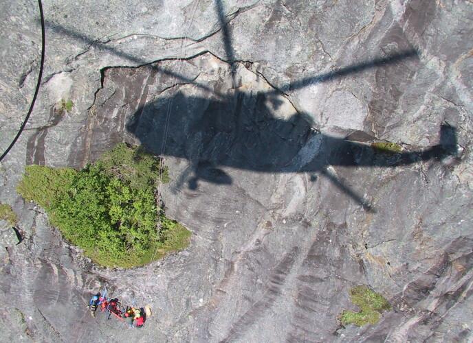 REDNING: Røde Kors har sett en markant økning av redningsulykker i fjellet siden 2007. Foto: 330 Skvadron Bodø/ Forsvaret