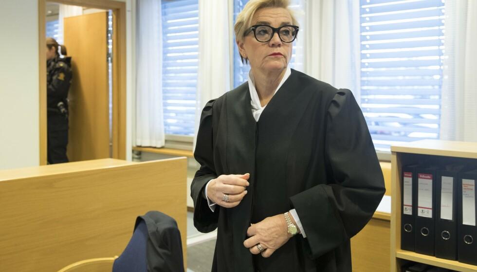 FORSVARER: Det er advokat Gunhild Lærum som forsvarer den drapssiktede mannen. Foto: Terje Bendiksby / NTB